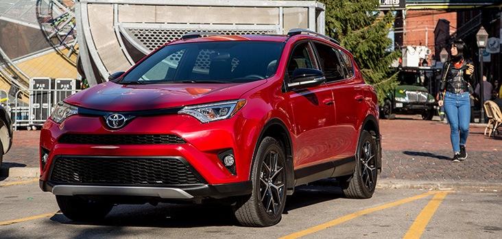 2018 Toyota RAV4 @ Ken Shaw Toyota in Toronto