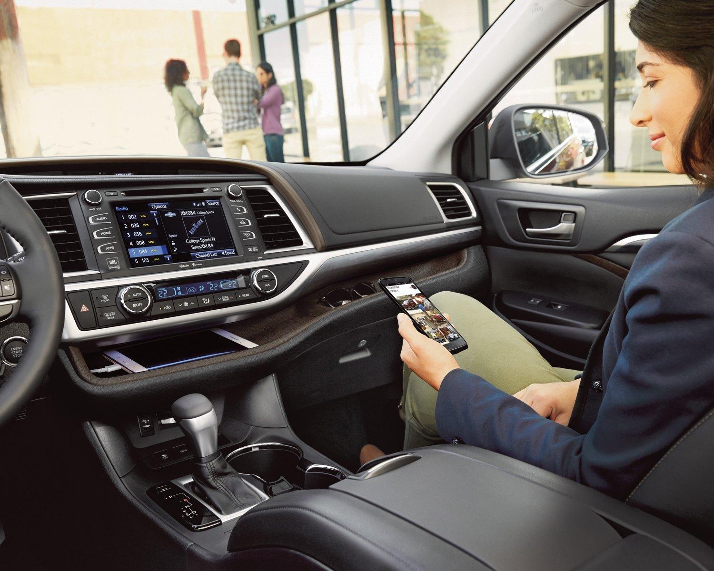 2019 Toyota Highlander Technology @ Ken Shaw Toyota in Toronto Ontario